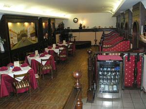 kievskoe-retro-v-restoratsii-za-dvumya-zajtsami